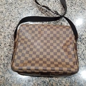 Louis Vuitton Messenger Bag